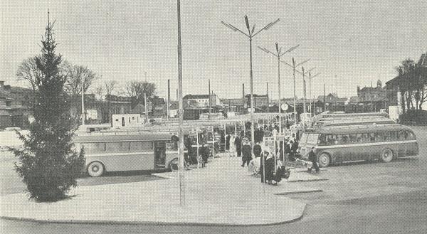 Busser på Odense rutebilstation ca. 1955